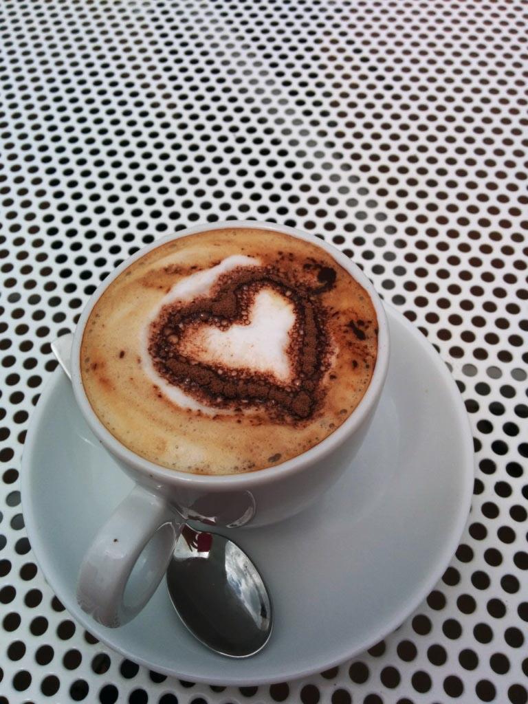 Bikini Bootcamp Sardinien Kaffee am Morgen