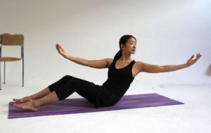 LAUFMAMALAUF Pilates Übung 1